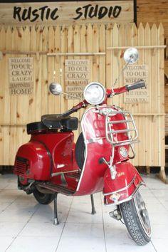 #VespaClassic #VespaIndonesia #Vespa #ClassicScooter #VespaSprint #MyVespaMyAdventure