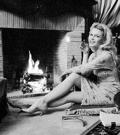 Instagram Brigitte Bardot, French Actress, Dancer, Actresses, Statue, Instagram, Photos, Female Actresses, Dancers