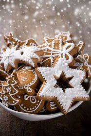 Cookie exchange recipes--gingerbread recipe makes soft cookies, not good for cookie cutters, the picture is deceiving. Christmas Sweets, Christmas Cooking, Christmas Gingerbread, Noel Christmas, Christmas Goodies, Gingerbread Cookies, Gingerbread Houses, Italian Christmas, White Christmas