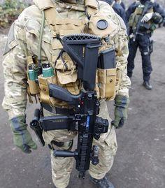 HK 416 w/ blue training bolt - www.Rgrips.com