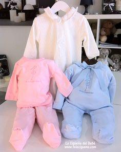 Pijamas y polainas para bebés. http://www.teleciguena.com/categoria/moda-bebe/