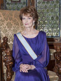 Crown Princess Margarita of Romania Queen Crown, Kaiser, Descendants, Romania, Royalty, Fashion Dresses, Casa Real, Sari, Reyes