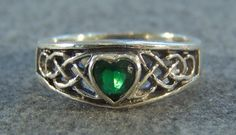 Vintage Sterling Silver Heart Green Topaz  Bold  Wide Fancy  Irish Celtic Knot Design  Band Ring, Size 6