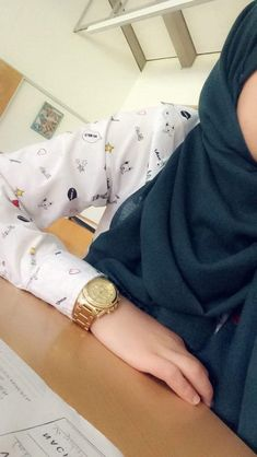 Street Hijab Fashion, Arab Fashion, Muslim Fashion, Hijabi Girl, Girl Hijab, Hijab Style, Hijab Chic, Stylish Girl Images, Stylish Girl Pic