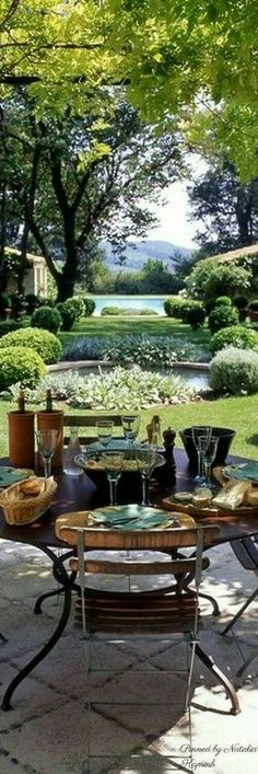 Astounding 21 Amazing French Style Garden https://decorisme.co/2017/12/24/21-amazing-french-style-garden/ What a fine man, fantastic restaurant! It isn't surprising that Nice is also among the most well-known destinations in the French Riviera.