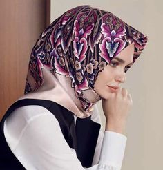 """Armine Spring Summer 2017 Collection Product #7674: Purple, and pink scarf with intricate Turkish floral pattern. Turkish Designer silk square scarf 100% Pure Silk Silk Satin weave Read here about the qualities of silk and the difference between satin and twill weaves. (http://www.mymodefa.com/pages/about-silk) Square Scarf: 90 x 90cm (36 x 36in) Turkish: """"Armine Ipek Esarp"""" Made in Turkey."""