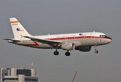 Airbus A319 Iberia retrojet EC-KKS Aircraft, Planes, Aviation, Airplane, Airplanes, Plane