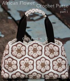 This is an absolutely gorgeous handbag! If you're a fan of the African flower motif pattern, here's an exciting new project! You may have made shawls and afghans and blankets, and now y…