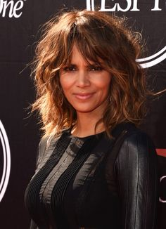 Ideas For Haircut Styles For Long Hair Layers Face Shapes Shoulder Length - Schulterlange Haare Ideen Medium Hair Cuts, Short Hair Cuts For Women, Medium Hair Styles, Curly Hair Styles, Hair For Women Over 50, Medium Curly, Updo Styles, Short Cuts, Haircuts For Long Hair