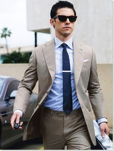 Male Fashion What To Wear With Khaki Pants Outfits Suit And Tie Style Ideas Khaki Suits, Mens Suits, Black Suits, Suit Men, Gq Men, Sharp Dressed Man, Well Dressed Men, Costume Beige, Style Gentleman