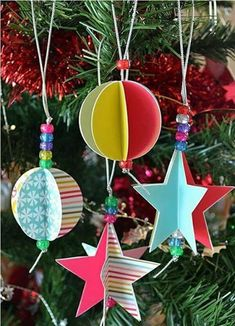 2013 Christmas Printables – Star and Circle Paper Decorations These paper ornaments are simple and gorgeous! Christmas Printables -paper decorations to print and make Paper Christmas Decorations, Paper Christmas Ornaments, Diy Christmas Ornaments, Christmas Christmas, Ornaments Ideas, Homemade Ornaments, Office Christmas, Homemade Xmas Decorations, Dough Ornaments