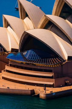 Sydney Opera House, Bennelong Point, Sydney Harbor, Sydney, New South Wales. Dream Vacation Spots, Dream Vacations, Visit Australia, Australia Travel, Landscape Architecture Design, Modern Architecture, Sydney Opera, Jorn Utzon, Cities