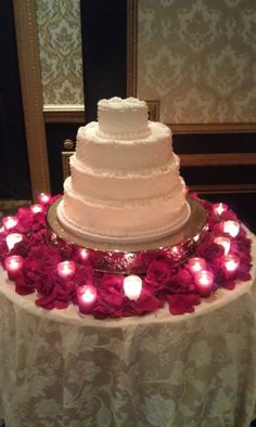 edding cake table decorations with candles