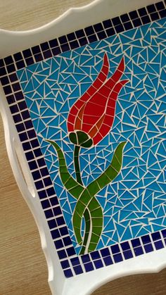 Mozaik tepsi detayı / Mosaic tray Mosaic Tray, Mosaic Pots, Mirror Mosaic, Mosaic Garden, Mosaic Tiles, Mosaics, Mosaic Crafts, Mosaic Projects, Mosaic Designs