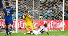 Gotze Goal Takes Germany To World Cup Dreamland - http://www.4breakingnews.com/sport-news/football-news/gotze-goal-takes-germany-to-world-cup-dreamland.html