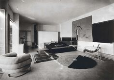 Eileen Gray's living room in e1027, Roquebrune-Cap Martin, 1926-1929 (Photo from L'Architecture Vivante, c. 1929)