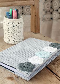 Ravelry: Journal Cover pattern by Emma Escott Crochet Book Cover, Crochet Phone Cover, Crochet Books, Crochet Gifts, Simply Crochet, Love Crochet, Diy Crochet, Crochet Bookmark Pattern, Crochet Bookmarks