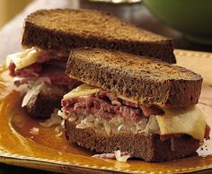 Recipe, grocery list, and nutrition info for Slow Cooker Reuben Sandwiches. Easy enough to make for a weeknight meal or a friendly Oktoberfest gathering. Bring on the beer and the oompah band! Crock Pot Slow Cooker, Crock Pot Cooking, Slow Cooker Recipes, Crockpot Recipes, Cooking Recipes, Crockpot Dishes, Cooking Ideas, Reuben Sandwich, Sandwich Recipes