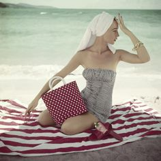 Here comes the summer sun... beach time!
