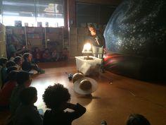 Planetarium en el colegio. Actividad planetario en la escuela. Una actividad para conocer el espacio en el colegio.