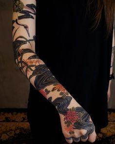 O Tumblr é o lugar para se expressar, se descobrir e se deleitar com as coisas que você curte. É aqui que seus interesses conectam você a seus iguais. Pretty Tattoos, Beautiful Tattoos, Cool Tattoos, Tatoos, Tattoo Drawings, Body Art Tattoos, Sleeve Tattoos, Piercing Tattoo, I Tattoo