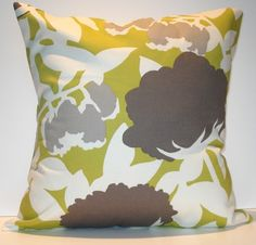 New Handmade pillow cover. LINDA Chartreuse and warm grey graphic floral pattern. / Envelope Back in white fabric. Grey Pillows, Cute Pillows, Throw Pillows, Handmade Pillow Covers, Handmade Pillows, Pink And Grey Room, Diy Wall Decor For Bedroom, Chartreuse Color, Dark Wallpaper