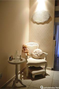 decoração de quarto de bebê princesa clean