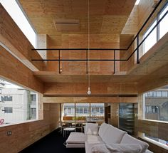 Machi-Building / UID Architects  Love this layout but not the wood color