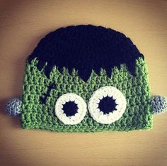 Crochet Halloween Hat - Stay warm and festive this fall with the cute Crochet Halloween Hats. These adorable hats will surely help to get you and others into the spooky sp. Crochet Kids Hats, Crochet Fall, Crochet Beanie, Cute Crochet, Crochet Crafts, Crochet Projects, Knit Crochet, Crocheted Hats, Crochet Character Hats