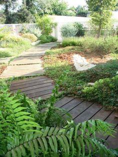 Paletten Gartenweg-Verlegen