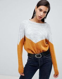 Buy Vero Moda Colour Block Knitted Jumper at ASOS. With free delivery and return options (Ts&Cs apply), online shopping has never been so easy. Get the latest trends with ASOS now. Fashion 2018, Fashion Online, Asos Tops, Fall Jackets, Mode Online, Retro Dress, How To Look Pretty, Style Guides, Autumn Winter Fashion