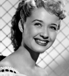 I love Jane Powell :) Old Hollywood Stars, Hollywood Icons, Old Hollywood Glamour, Golden Age Of Hollywood, Hollywood Actresses, Classic Hollywood, Actors & Actresses, Jane Powell, Stars D'hollywood