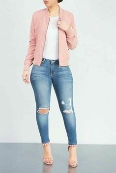 Stylish Ideas How to Create the Perfect Ripped Jeans Outfit - Mode Crop Top Outfits, Fall Outfits, Casual Outfits, Cute Outfits, Work Outfits, Summer Outfits, Formal Outfits, Classy Outfits, Ripped Jeans Outfit