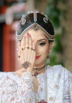 Are you a wedding service provider? If you are a wedding service provider or own a wedding business JOIN WITH US today. Sari Wedding Dresses, Bride Reception Dresses, Couple Wedding Dress, Bridal Sari, Bridal Bun, Bridal Style, Wedding Bride, Bridal Dresses, Saree Wedding