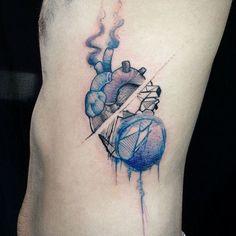 """Tatuagem feita por <a href=""""http://instagram.com/andreasfranca"""">@andreasfranca</a>   Siga o artista e acesse o nosso site: www.tattoo2me.com"""