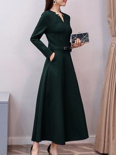 V Neck Patch Pocket Plain Maxi Dress – Stylishplus Elegant Dresses Classy, Classy Dress, Classic Dresses, Classic Clothes, Stylish Clothes, Plain Dress, Maxi Dress With Sleeves, Cute Dresses, Dresses For Work
