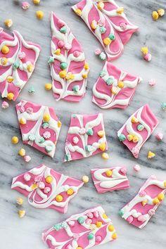 MY DIY | Pink Mint Chip Chocolate Bark