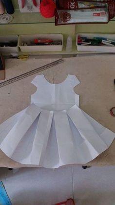 Mädchen Kleid – Baby Kleidung - New Ideas Toddler Dress Patterns, Kids Patterns, Dress Sewing Patterns, Doll Clothes Patterns, Sewing Clothes, Clothing Patterns, Little Girl Dresses, Flower Girl Dresses, Tutu Dresses