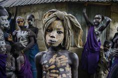 Colores y rostros desde el valle del Omo en #Etiopía, #foto de Steve McCurry