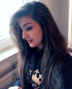 Most Beautiful and Sexy Babes!hot women Share the beauty and love. Lovely Girl Image, Cute Girl Photo, Girls Image, Stylish Girls Photos, Stylish Girl Pic, Beautiful Girl Indian, Most Beautiful Indian Actress, Clash Royale, Girl Pictures