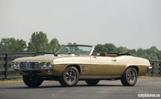 If you want a muscle car you can drive or a project vehicle, you can find great classic cars on the market. Here are the best 25 muscle cars you can buy. 1969 Firebird, Firebird Trans Am, Pontiac Firebird, My Dream Car, Dream Cars, 1968 Chevelle Ss, Trans Am Pontiac, Gto, Car Pictures