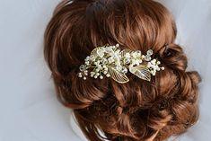 Golden wedding hairpiece Wedding hair comb Bridal hair
