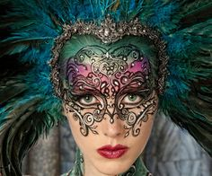 15 Hottest Mardi Gras Make Up here with images for you to choose the best you like to apply on coming Mardi Gras carnival celebration, and, you will find the romantic, exotic and hottest make up. Maquillaje Halloween, Halloween Makeup, Makeup Fx, Mask Makeup, Queen Makeup, Costume Venitien, Fantasy Make Up, Dark Fantasy, Fantasy Art