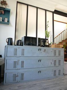 Quand le vestiaire industriel devient meuble de cuisine #vestiaire #métal #déco #industriel @atelierdeco94 #atelierdeco94