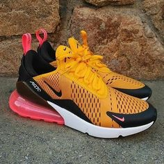 Nike Outfits the Air Max 270 in Noir Neon Vert Chaussures