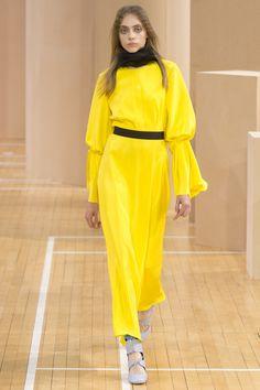 Roksanda Spring 2016 Ready-to-Wear Fashion Show - Ala Sekula