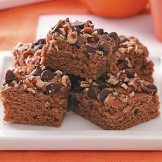 Applesauce Brownies Recipe- Recipes These moist, cinnamon-flavored brownies are quite easy to make. The recipe can also be doubled and baked in a jelly roll pan. My husband and I live on a farm in central Nebraska and have two grown daughters. Applesauce Brownies, Baking With Applesauce, Applesauce Recipes, Diabetic Friendly Desserts, Diabetic Recipes, Pre Diabetic, Healthy Recipes, Brownie Recipes, Dessert Recipes