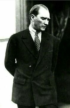 Find images and videos about from turkey and mustafa kemal atatürk on We Heart It - the app to get lost in what you love. Turkish Army, Moda Emo, Celebrity Wallpapers, Great Leaders, Revolutionaries, Suits You, Beautiful People, Suit Jacket, Handsome