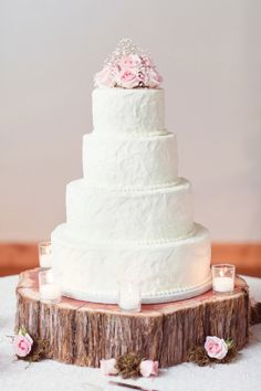 Simple and Beautiful Wedding Cake.