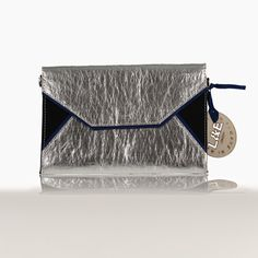 Non-leather Handbags & Accessories designed for the jet-setting go-getter. L&E London is a world of Luxury Multifunctional and versatile Handbags - Ethically Handcrafted in Europe by master craftsman Travel Chic, London Bags, Handbag Accessories, Travel Bags, Leather Handbags, Envelope, Wallet, Luxury, Custom In